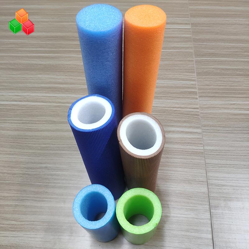 Specialformet logo farve super bløde hule skumrør PVC EVA EPE skum rundt rør til indendørs legepladsudstyr / emballage