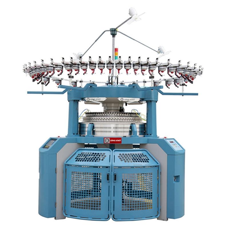 Fuldt datamatiseret interfaced rib cirkulært strikkermaskine
