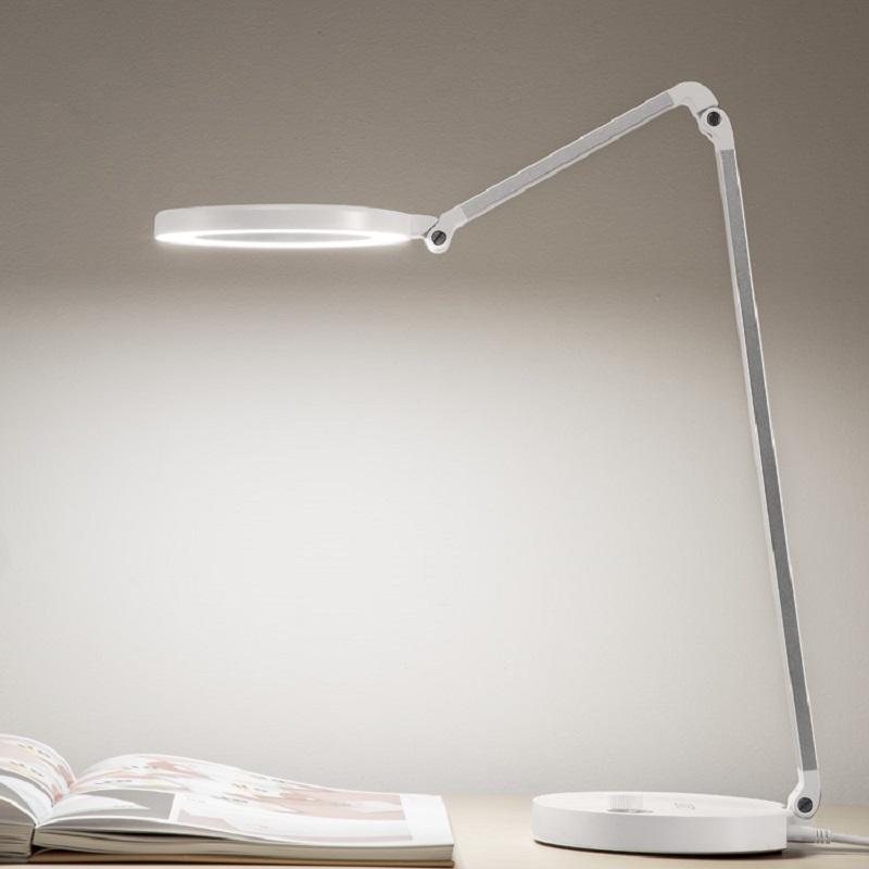 68L lysdæmpende og CCT-rullet skrivebordslygte med usb
